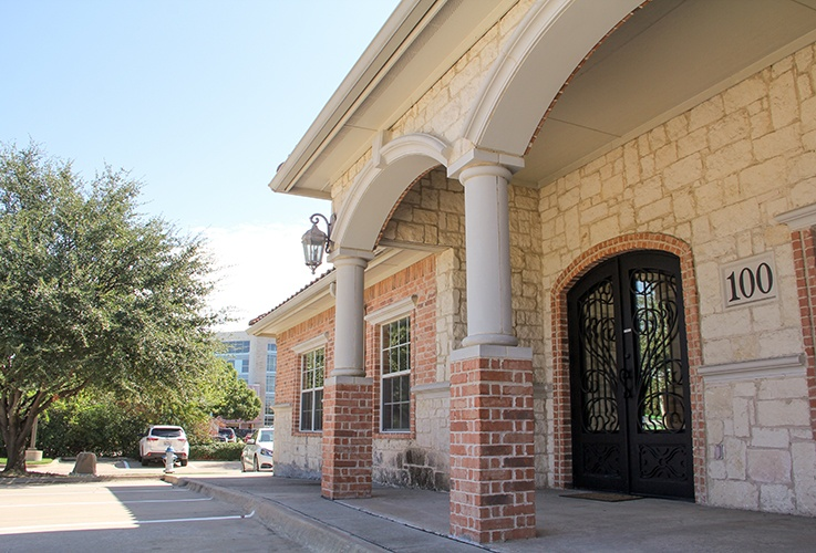 Front entrance of Esthetic Image Dentistry